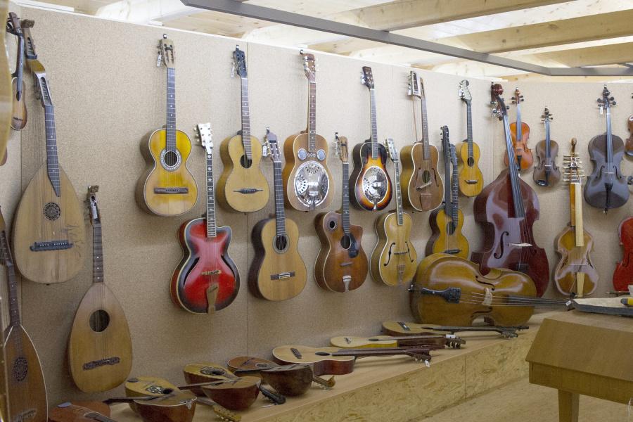 Expozice hudebních nástrojů Ostružná