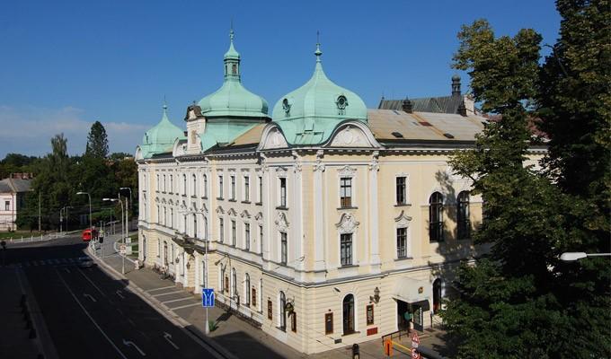 Hradecká kulturní a vzdělávací společnost s.r.o.